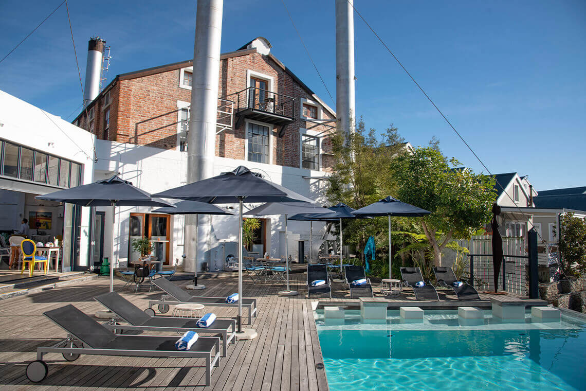 Sip & Read | Turbine Hotell